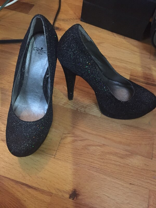 Sparkly black high heel's