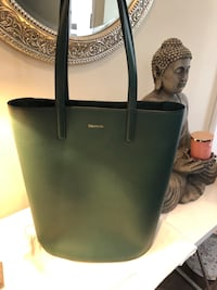 Tiffany and Co. Genuine Leather Large Tote. NOT NEG!! Mississauga