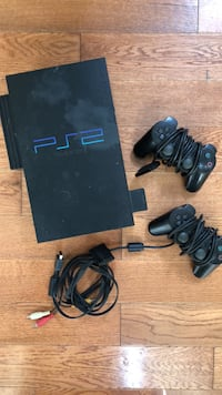 Black sony ps2 console with controllers Toronto, M6H