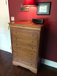 Shermag Chest of Drawers Toronto, M5P 1P6