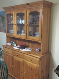 brown wooden framed glass display cabinet Bellaire, 77401