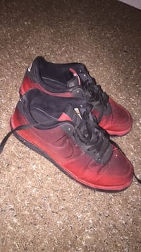 pair of red-and-black Nike basketball shoes Romeoville, 60446