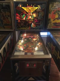 Time Warp Williams Pinball 1979 Long Beach, 90805