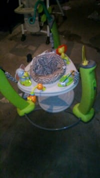 baby's green and blue jumperoo Akron, 44301