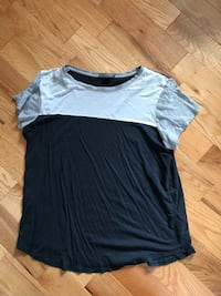 gray and black crew-neck t-shirt Russell, K0A 1W0