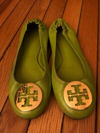 Pair of green tory burch leather flats Washington, 20010