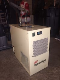 Ingersoll Rand High-Temp Refrigerated Air Dryer W/ Desiccant Dryer  null