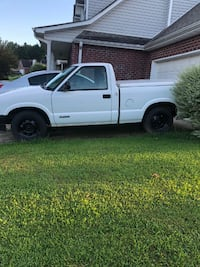 s10 pickup  back bed top hard shell. 135000 miles everything works  passed  Hampton