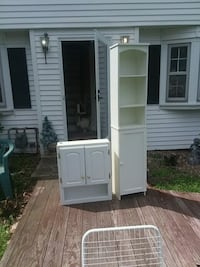 Two good condition cabinets Wethersfield, 06109