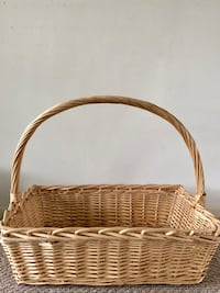 Large, brown wicker basket Santa Monica, 90403