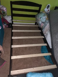 Twin bed frame  Suitland, 20746