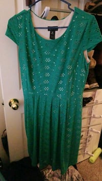 green and white floral scoop neck sleeveless dress Colorado Springs, 80922