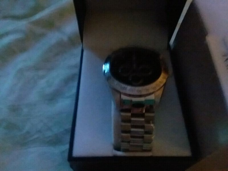 Bradford exchange. Mustang watch. Pick-up only 7c24b877-21e5-4aae-a481-2666407118ba