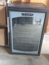 Wine chiller, dual zones for Reds and Whites