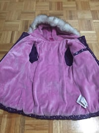 Winter jackets 5year old girl.very waram for kid.very good condition.just use 3 month Côte-Saint-Luc, H4W