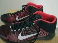 pair of black-and-red Nike basketball shoes Sacramento, 95834