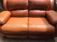 Leather couch Woodbridge, 22192