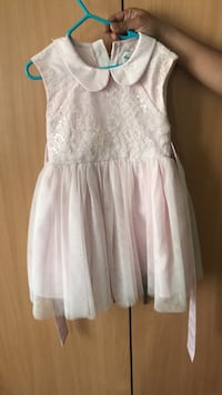 Size 4 Childrens dress Brampton, L6S 1N2