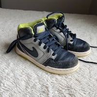 Nike Boys High Tops Sneakers Size 10.5  Haverhill, 01832