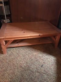 Solid wood table  Pennsville, 08070