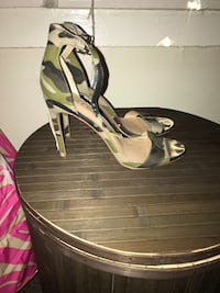 black and green leather open toe ankle strap heels New York, 11435