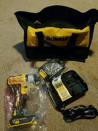 DeWalt cordless hand drill with bag Rocky Point, 11778