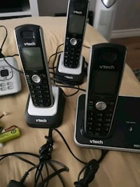 Cordless phones w/3 handsets
