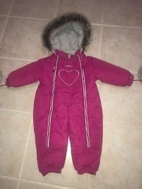GUC one piece snowsuit 12 months. Used for a few months last winter Mississauga, L5R 3A9
