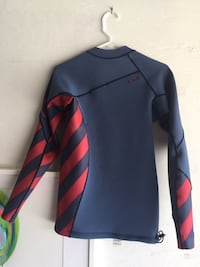 mens M volcom wetsuit top Newport Beach, 92663