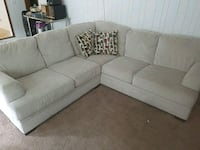 Sectional couch Kansas City, 64131