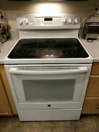 GE Convection Electric Oven/Range