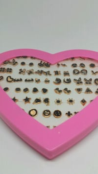 Heart-Shaped Box with earrings Mobile, 36693