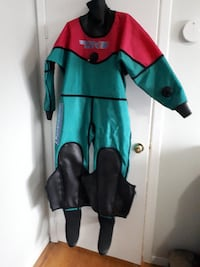 Womens WHITES HOT Drysuit and Under Garments - LOT. Toronto