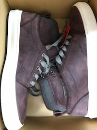 pair of brown leather high-top sneakers Montréal, H2W 2T1