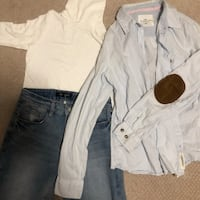 White button-up shirt and blue jeans 列治文, V6X