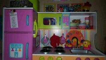 KidKraft  Deluxe big and bright kitchen Play Set