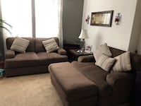 Brown Fielding Loveseat and Oversized Chair w/ Ottoman.  Valencia, 91355