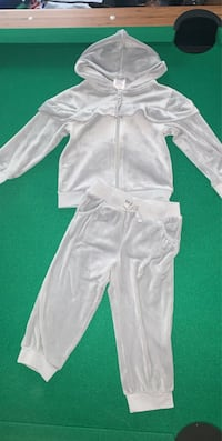 Warm outfit size 2T Crystal Lake, 60012