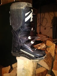 Moose racing size 11 worn 3 times