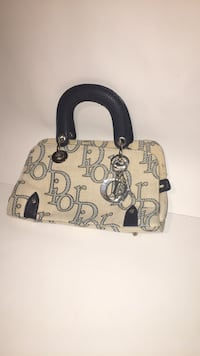 Dior purse Richmond, V6V