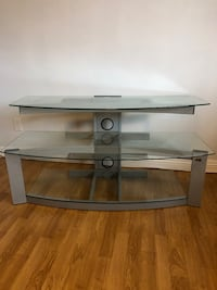 Bell,O Tv stand. In good condition