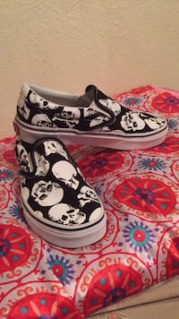 Black-and-white converse all star low tops Corpus Christi, 78412