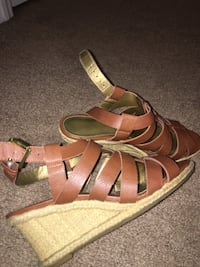 Size 7 wedges  Meridianville, 35759