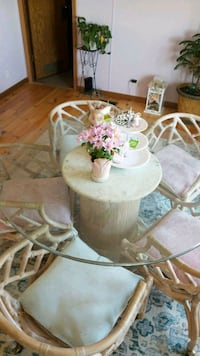 Henry Link Table and Chairs