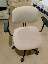 white and black rolling armchair Woodbridge, 22193