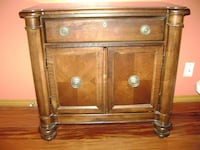 Used Broyhill Charlestowne Square Nightstand For In West Lake Hills Letgo