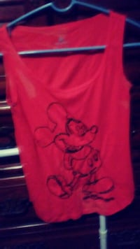 red glitter tank top with Mickey Mouse illustratio Amarillo, 79107