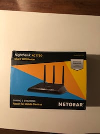 Netgear Nighthawk AC1900 smart wifi router box