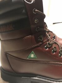 KODIAK Mens Colour: Hickory (dark brown) with black toes. CSA approved, steel toes.Size 12 EEE Oshawa, L1J 5S1