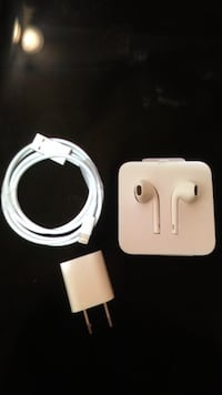 Apple headphones and charger brand new  West Des Moines, 50266
